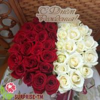 Композиция «Ярым» из красных и белых роз